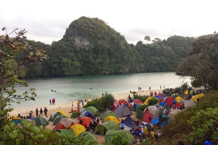 Cagar Alam di Selatan Malang Diserbu Wisatawan