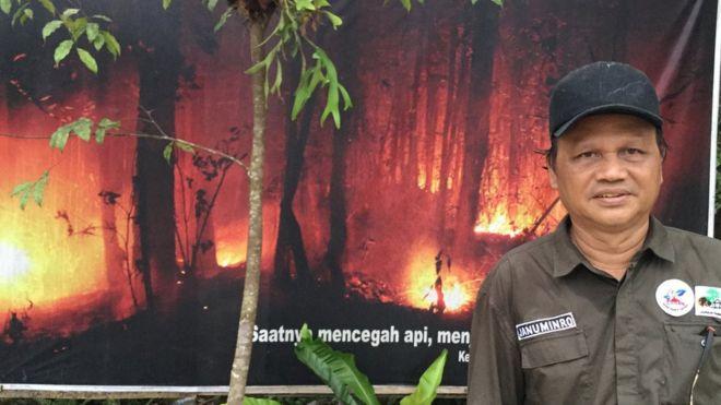 Bertemu Januminro, Pejuang Dayak Yang Mengelola 'Hutan Tahan Api'