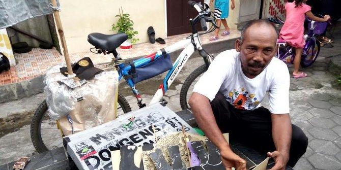 Syamsudin, Bersepeda Keliling Mendongeng Tentang Lingkungan